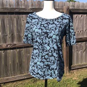 Ann Taylor LOFT shortsleeved tee shirt medium